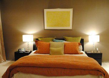 ホテルライク 寝室 アート